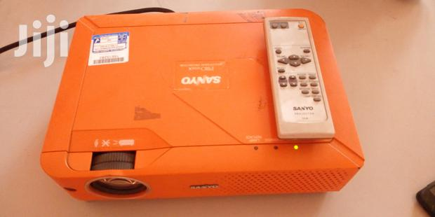 Archive: Quality Projector With Remote