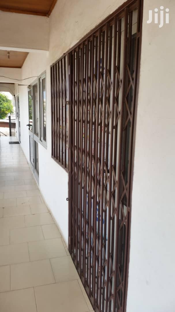 Archive: Shop for Rent at Osu Around Nyaniba Estate