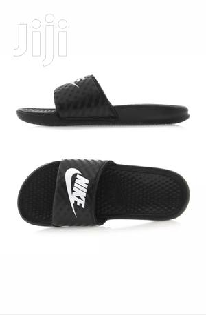low priced 362ff 22718 Nike Slippers