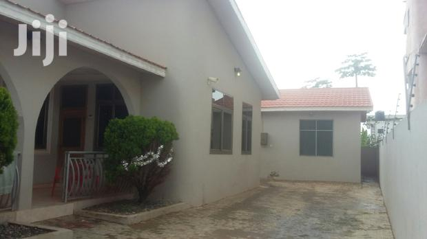 Archive: DOME - Executive 3 Bedroom House For Rent