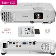 Epson EB S05 Projector 3200 Lumens | TV & DVD Equipment for sale in Eastern Region, Asuogyaman
