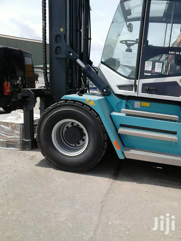 Archive: 16T Forklift For Rent