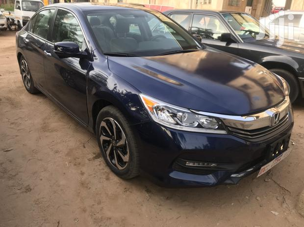 Archive: Honda Accord 2017 Blue