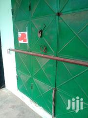 Renting Shop Near Sapato Filling Station in Kasoa | Commercial Property For Rent for sale in Central Region, Awutu-Senya