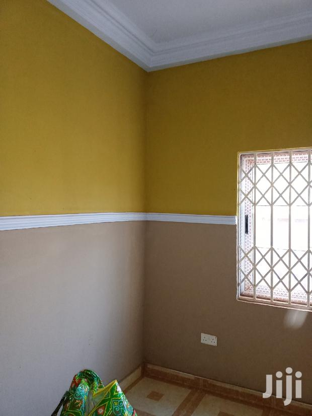 Archive: Chamber And Hall Apartment Close To The Main Road For Rent