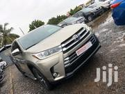 Toyota Highlander 2017 XLE 4x4 V6 (3.5L 6cyl 8A) Gold | Cars for sale in Greater Accra, Teshie-Nungua Estates