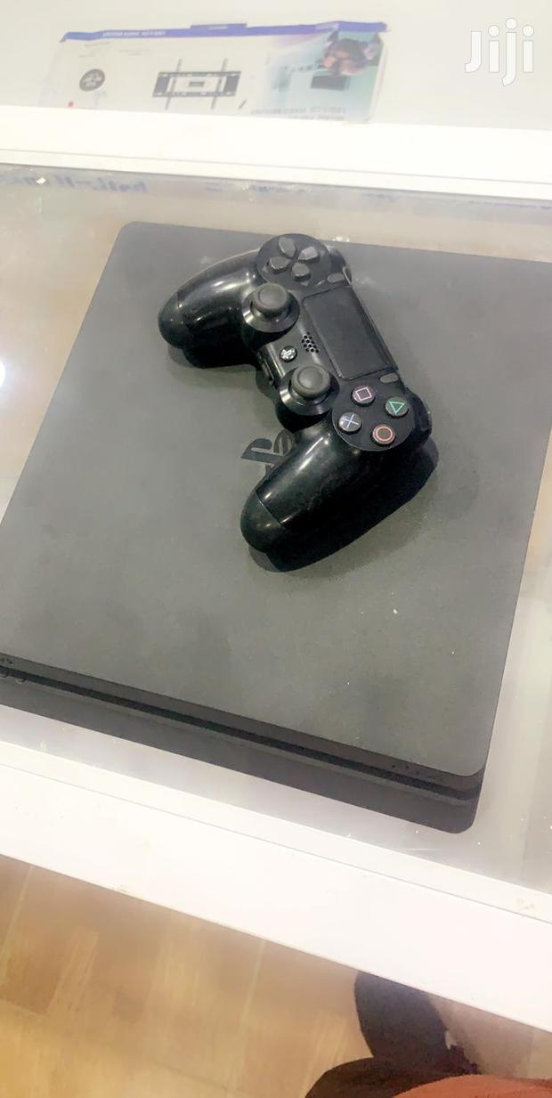 Archive: Ps4 Slim With Game Cd