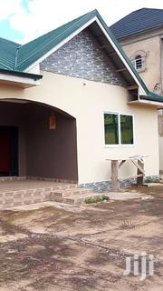 Neat 4 Bedroom House for Sale in Kwabenya | Houses & Apartments For Sale for sale in Greater Accra, Achimota