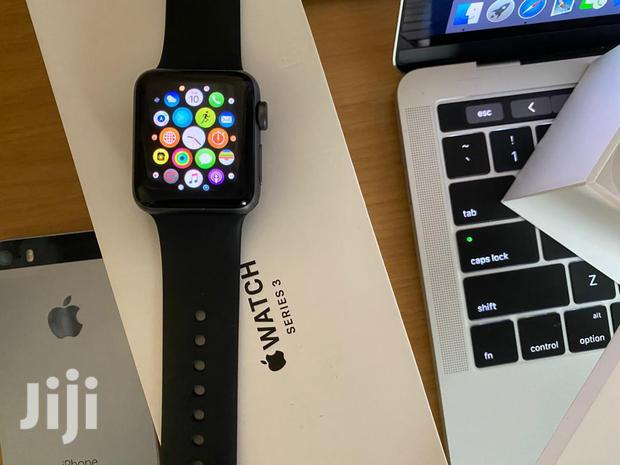 Archive: Brand New Apple Watch Series 3