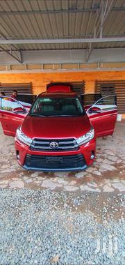 Toyota Highlander 2018 SE 4x4 V6 (3.5L 6cyl 8A) Red | Cars for sale in Greater Accra, East Legon