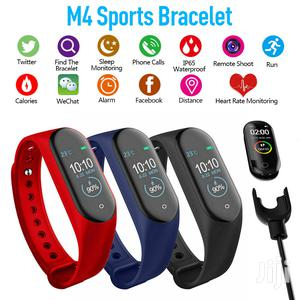 Smart Phone Watch, Blood Pressure Tracker, Heart Rate Fitnes Monitor