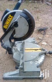 Dewalt Mitre Saw For Wood And Alluminium Work | Manufacturing Materials & Tools for sale in Eastern Region, East Akim Municipal