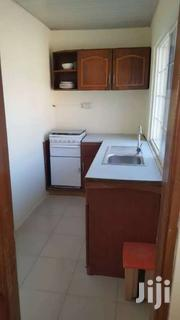 Upstairs Unit Of Mansion: 3 Bedroom /2 Bath, $900dollars | Houses & Apartments For Rent for sale in Greater Accra, Agbogbloshie