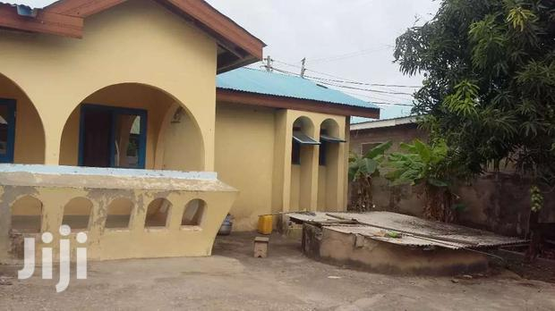 Archive: 3 Bedroom House For Sale At AMASAMAN