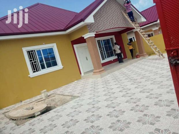 Archive: Executive 3 Bedrooms For Sale At Spintex