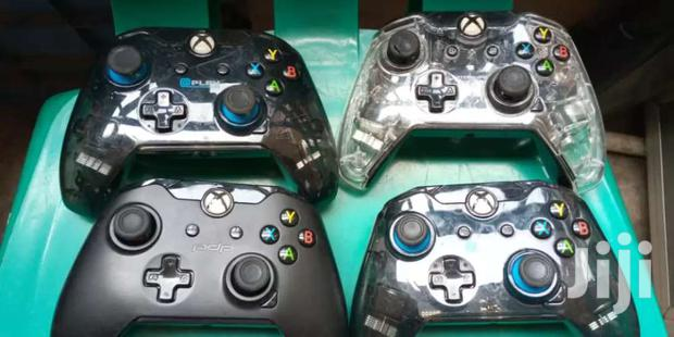 XBOX ONE AND PC GAMES CONTROLLER