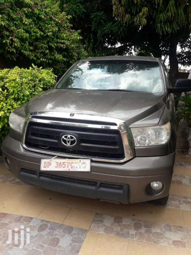 Archive: Toyota Tundra 2009 Double Cab 4x4 Limited Gray